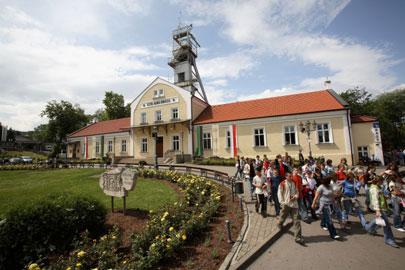 הכניסה למכרה המלח העתיק לא מרמזת על מה שמחכה מאות מטרים מתחת לפני האדמה | צילום באדיבות Wieliczka Salt Mine