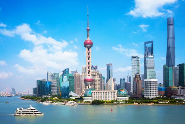 קו הרקיע האולטרה מודרני של שנחאי. בנייה כזאת מאפיינת את נעוריהן של אומות