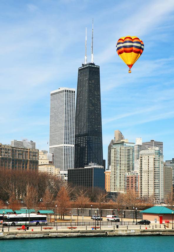 מגדל ג'ון הנקוק בשיקגו (המבנה השחור). שכונת מגורים שלמה בבניין אחד