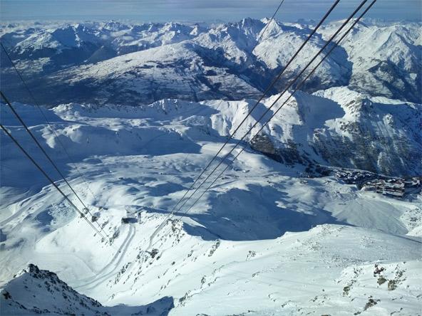 הנוף עוצר הנשימה מפסגת Aiguille Rouge. המילים נעתקות מרוב יופי | צילום: שי קורץ