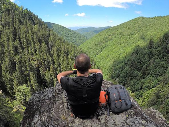 בלי דיבורים או הסברים ארוכים, פשוט לשבת מול הנוף ולספוג את כל היופי