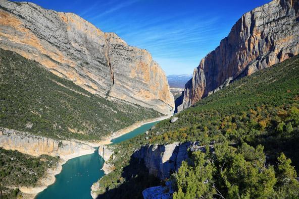 הנופים המפעימים של קטלוניה הם גן עדן לחובבי טבע וספורט אתגרי