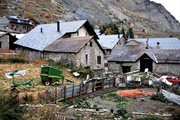 הכפר אספוט בפתח שמורת אגווס טורטס