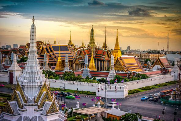 מקדש פרה קאו (Phra Kaew), מקדשו של בודהה האזמרגד, במתחם ארמון המלך