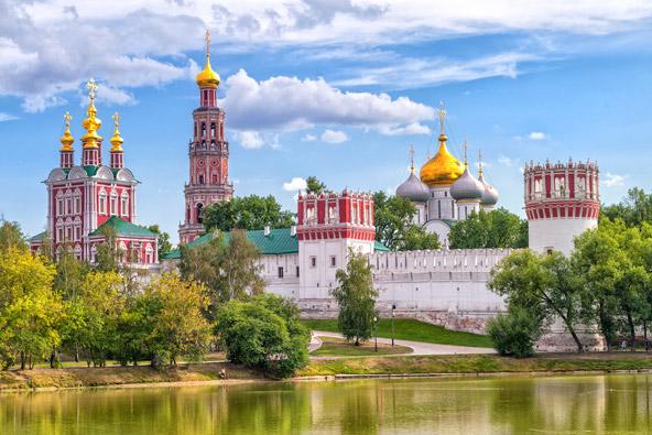 מנזר נובודביצ'י, הצאר פטר הגדול כלא כאן את אחותו סופיה