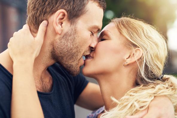 מבקרים במדינת איווה? אל תתנשקו יותר מחמש דקות ברציפות!