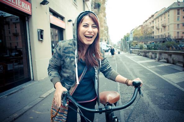 גרים במילאנו? אל תפסיקו לחייך (על פי חוק)