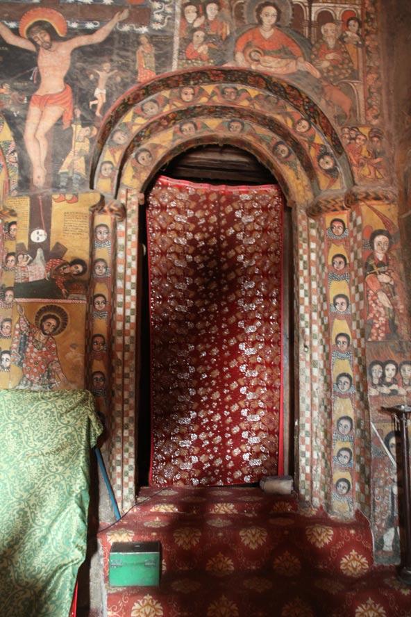 במנזר באגם טאנה