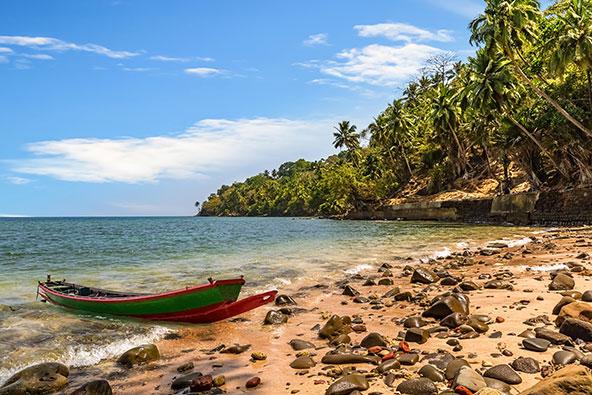 חוף באנדמן. קבוצת האיים משרה תחושה של בתוליות שחסרה באיים הטרופיים המתוירים יותר