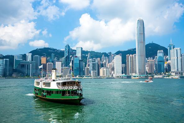 מעבורת סטאר המחברת בין קאולון להונג קונג. חוויה מומלצת במחיר זעום