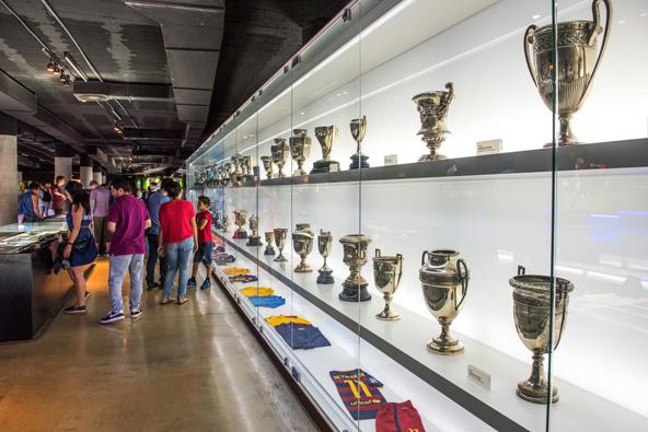 המוזיאון בקאמפ נואו. מקדש קט לקבוצת הכדורגל האהובה
