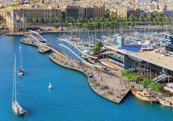 הנמל, מקום מושלם למי שאוהב אניות, קניות ויצורים תת ימיים