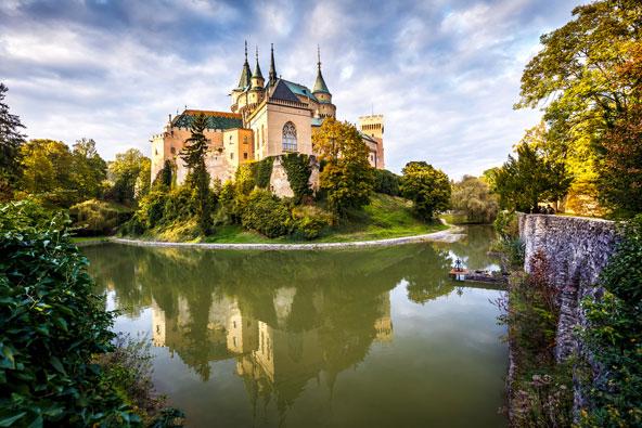 טירת בויניסה. בסלובקיה יש הרבה מאוד טירות מרשימות