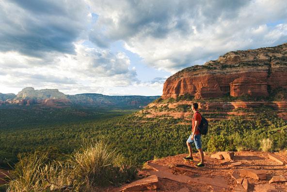 נופי המדבר האדומים באזור סדונה מתאימים לא רק למסעות פיזיים אלא גם למסעות רוחניים