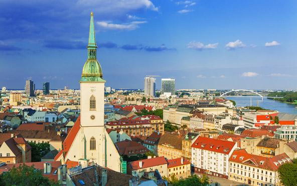 רטיסלבה, בירת סלובקיה, היא עיר יפה ומלאת חיים