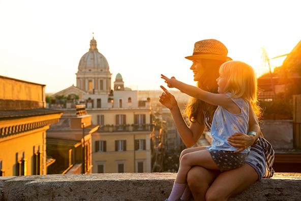 גם ילדים יכולים ליהנות מתצפית על הנוף או על אתר עירוני מרשים