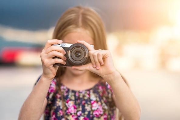 תנו לילדים מצלמה, כדי שיוכלו לצלם את מה שמעניין אותם בטיול