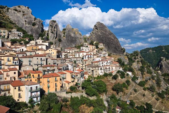 איטליה מחוץ למסלול המוכר