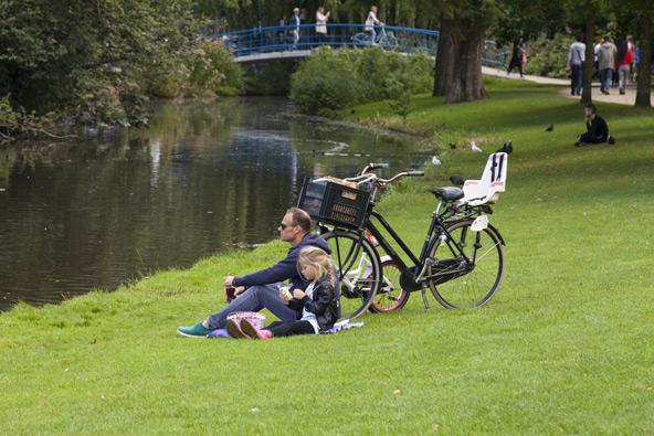 וונדלפארק הוא המקום המושלם לרכיבת אופניים משפחתית. כשמתעייפים, אפשר לנוח על הדשא