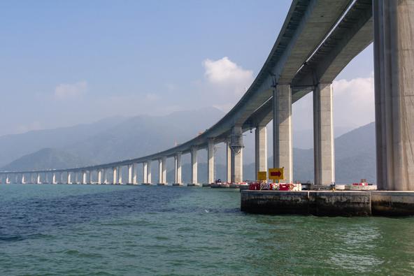 עבודות אחרונות על הגשר החדש בין הונג קונג למקאו