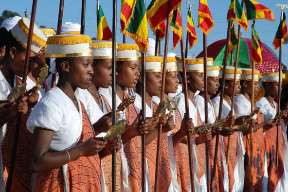 מקהלת נערות בחגיגות הטימקט באתיופיה