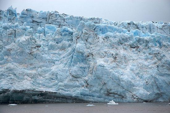 סרטון: גל קפוא – גלישת גלים באלסקה