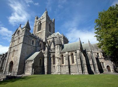 לב של קדוש אירי נגנב מכנסייה בדבלין