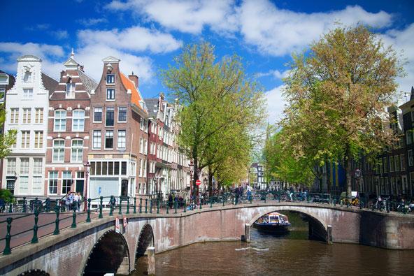 איזי ג'ט משיקה טיסות מתל אביב לאמסטרדם
