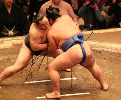 סומו – מסורת כבדת משקל