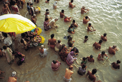 הגנגס והירדן: המים המטהרים את הנשמה