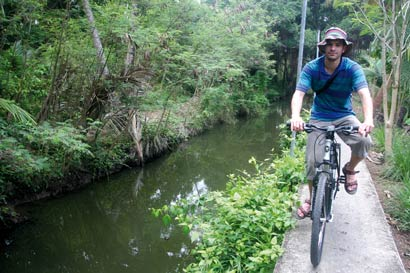בנגקוק באופניים – בין ריקשות ללטאות