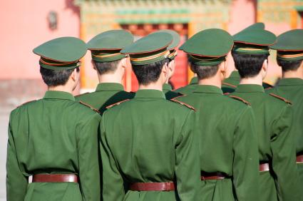 המהפכה בת 60: מצעד צבאי ענק בבייג'ין