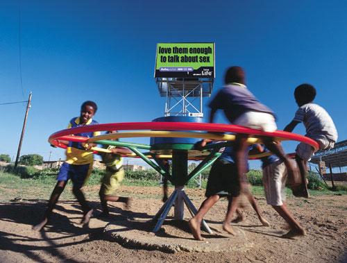 דרום אפריקה: שאבתם מים בששון