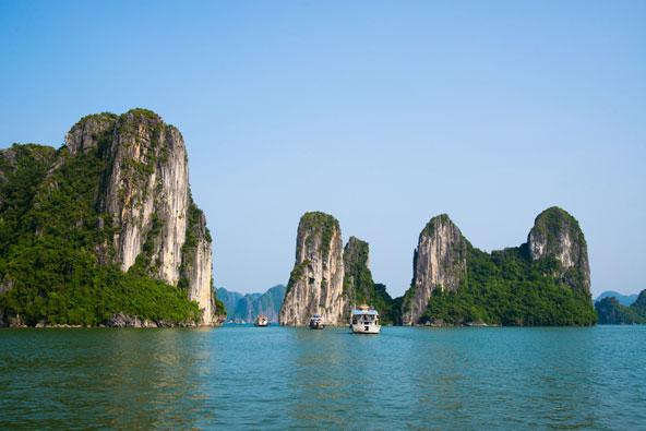 וייטנאם: מפרץ הא לונג ופגודת הבושם