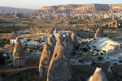 קפדוקיה: נופי ירח ומבוכים תת קרקעיים