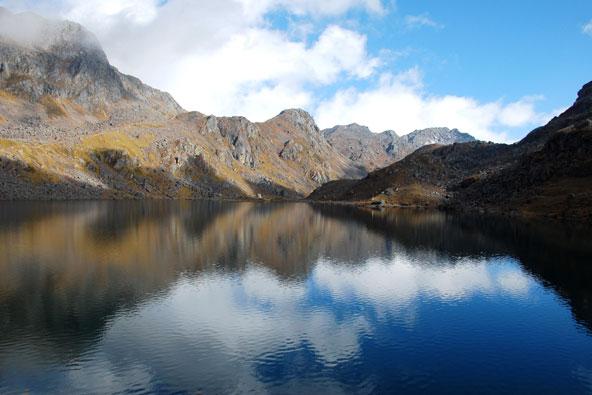 טרק האגמים הקפואים בנפאל