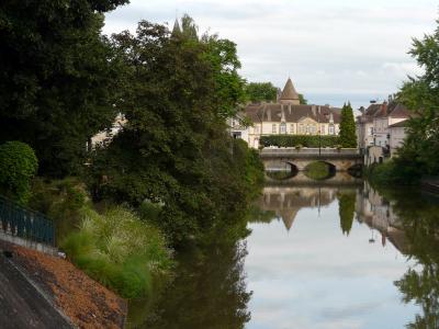 שייט תעלות בצרפת – מים שקטים