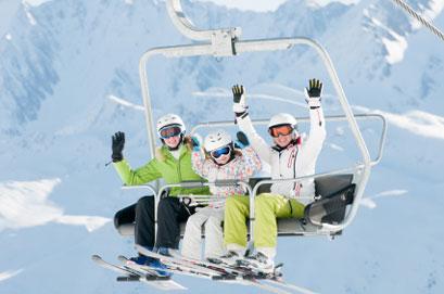 סקי עם ילדים: אתרי סקי ידידותיים למשפחות