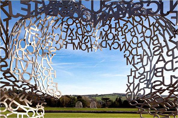פארק הפסלים ביורקשייר – לחבק עץ