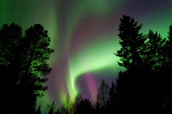 הזוהר הצפוני – שמיים צבעוניים