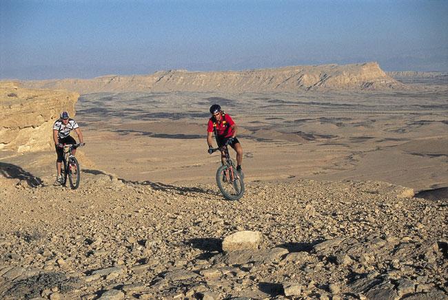 מסלולי אופניים באזור מכתש רמון