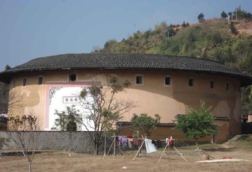 """סין: מצודות בכפרי ה""""הקה"""""""