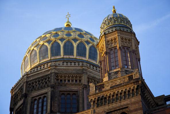 בתי כנסת באירופה כאתרי תיירות
