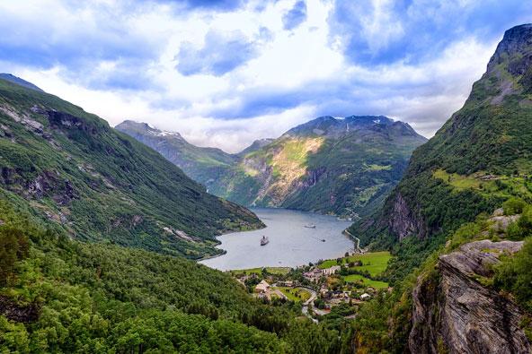 שייט בפיורדים של נורווגיה