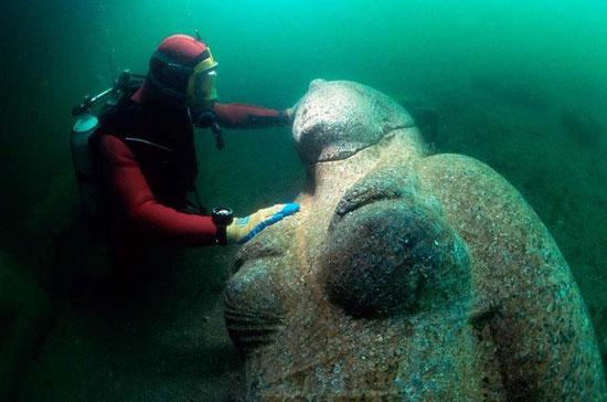 עיר מצרית אבודה נחשפה בים