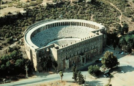 פסטיבל ג'ז בינלאומי בתיאטרון העתיק באספנדוס