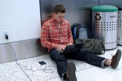 סקר חדש: קשר עמוק בין נוסעים למחשבים שלהם
