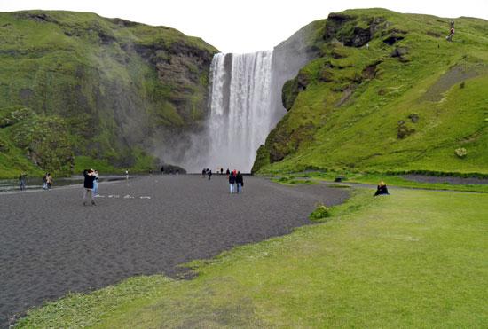 איסלנד בג'יפים – מופע מרהיב של קרח ואש