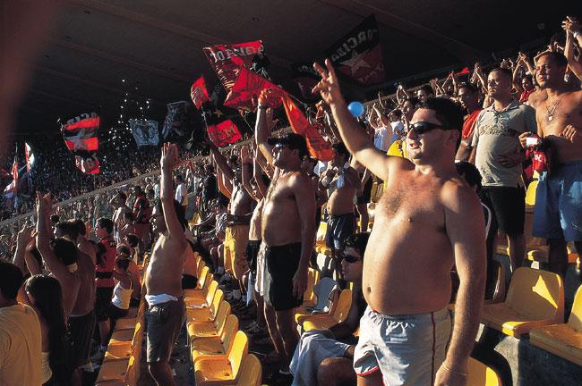 כדורגל ברזילאי: אהבה חיה ובועטת