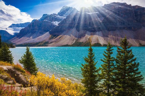 סרטון: הרוקיס הקנדיים מהאוויר